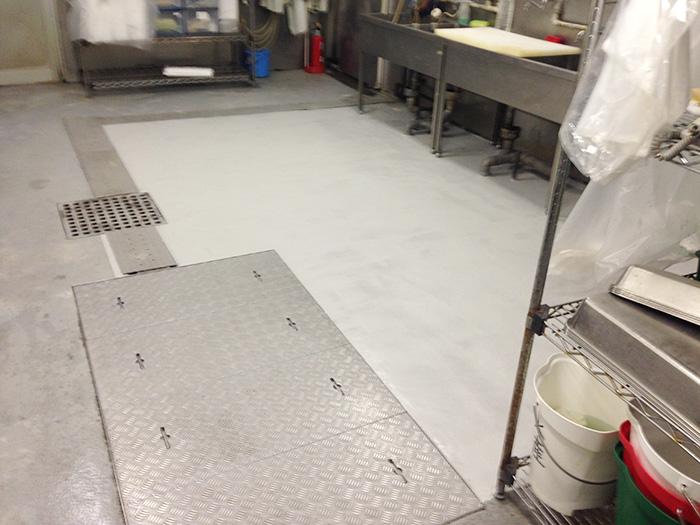 ーパーの水産厨房床補修2 after